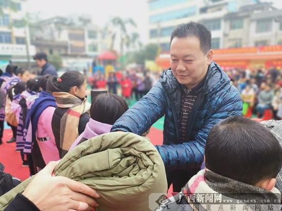 """推进六区建设 ag电子游艺官网市鱼峰区2019年""""三下乡""""启动"""