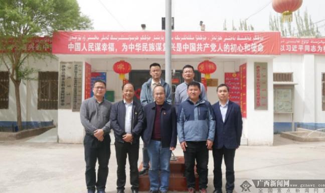 威尼斯人网站工学院领导带队赴新疆喀什看望援疆毕业生