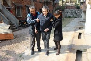 陈丽珍家庭:学习无惧岁月长 带动老少齐分享