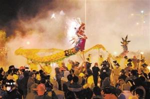 《南宁日报》宾阳炮龙节回归传统