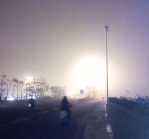 高清:大雾锁邕城 市区现
