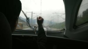 【记者体验贵广高铁广西段】神秘的手势 你懂么?