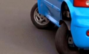 四轮都能转向 侧方停车方便