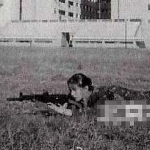 赵薇20年前罕见打靶照曝光