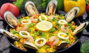 阳光帅哥的西班牙海鲜饭