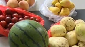 天热疾病高发 吃水果要适量