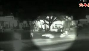 斑马线前汽车撞上过路人