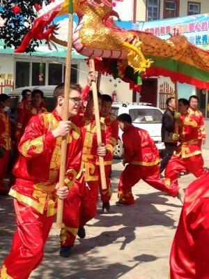 白圩传统文化游外国友人来捧场