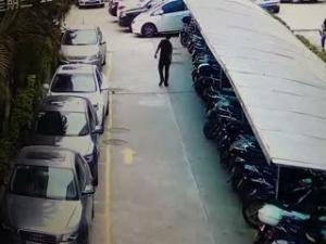 南宁双拥路南方食品大厦偷车贼