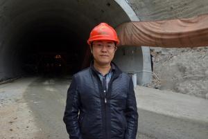 责任标兵--记梧柳7标隧道技术负责人郑寰宇