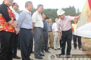 自治区交通厅厅长潘巍一行深入河百10标项目调研指导