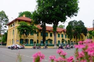 高清:2016走进东盟跨境自驾车队抵达越南