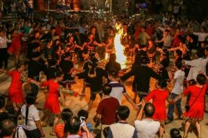 大化:宫氼瑶欢度佤钵节