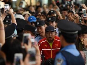 中国乒乓球队回国