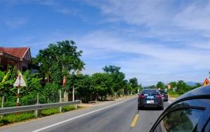 高清:2016走进东盟自驾车队经吊桥口岸进入老挝