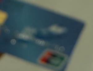 信用卡在手为何被网上消费?