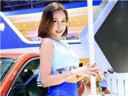 2016南昌国际车展启幕 靓丽车模吸睛斗艳