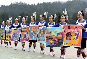 三江侗寨举办侗画节 上万名游客前往观赏(图)