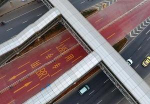 广西南宁首条快速公交线路即将建成