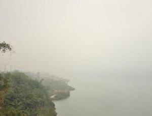 今晨梧州雾蒙蒙 桂江烟波缥缈隐雾中