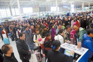 春运首日宁铁发送旅客30万人 近期车票宽松(组图)