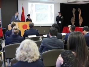 加拿大归还中国流失文物和化石