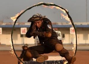 中国第四支驻利比里亚维和警察防暴队开展战术训练