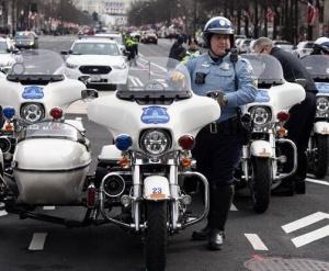 总统就职典礼前夕 华盛顿加强安保