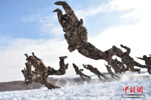 """陆军第16集团军某机步旅""""三九""""练兵"""