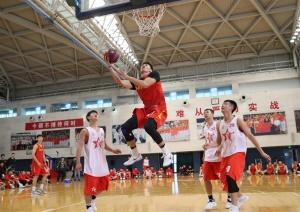 百佳争鸣三人篮球训练营落幕