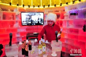 """""""冰屋酒吧""""现身沈阳 冰块建造吸引顾客(图)"""
