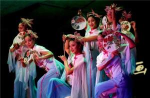 """灵山县""""一镇一曲·唱响荔乡""""颁奖晚会盛装上演"""