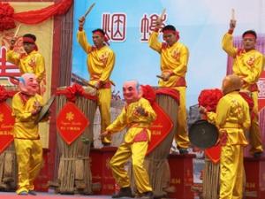 钦州:百面大鼓贺春 传统民俗年味浓