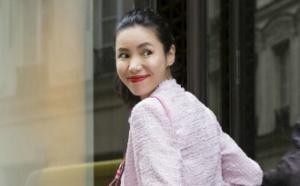 时尚主播Linda春夏街拍曝光 演绎粉嫩冻龄时尚