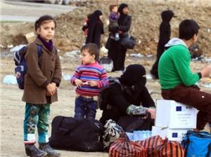 大批平民从摩苏尔交战区撤离
