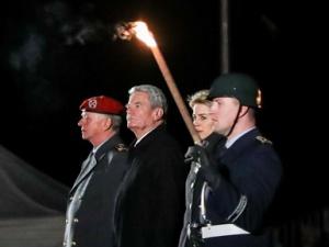 德国总统高克卸任告别仪式在柏林举行