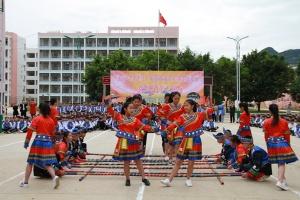 """大新县""""三月三""""民俗文化进校园活动正式启动"""