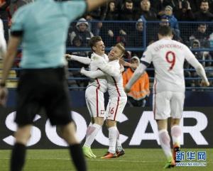 足球世预赛:波兰胜黑山