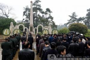 富川:祭扫烈士陵园缅怀革命英烈(图)