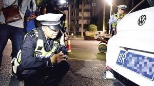 南宁市交警开展整治行动 严查车辆非法改装等行为