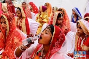 印度传统婚嫁日(组图)