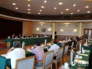 山东省政府新聘任六位参事 龚正颁发证书