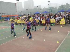 300名轮滑选手登场竞技 柳州站轮滑大赛热闹非常