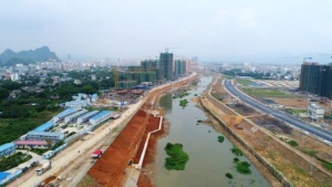 灵山:基础设施建设会战正酣