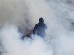 希腊民众罢工抗议紧缩政策