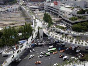 """首尔废弃高架桥迎来""""新生"""""""