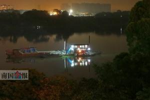"""数艘挖沙船""""赖在""""柳江河市区段 执法大队将清理"""