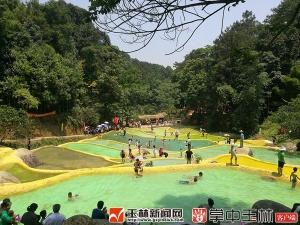 容县:寻阳村迎来三千多游客