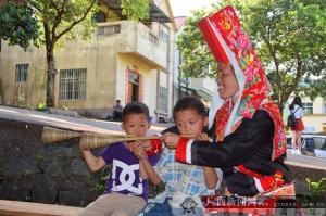 瑶寨汇集多种民间艺术