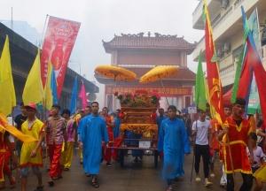 万名游客感受京族同胞哈节